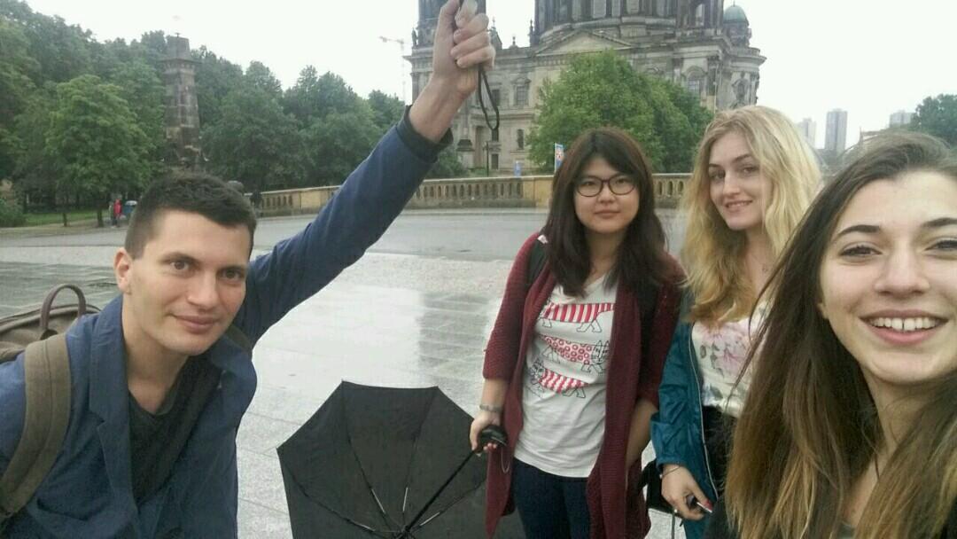 Ольга Иванова, студентка III курса факультета политологии МГУ передает привет из Берлинского университета имени Гумбольдта